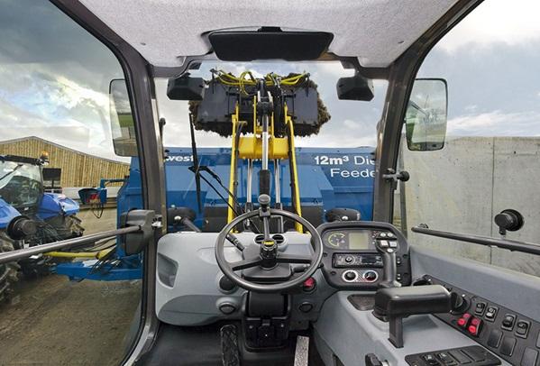 compact-wheel-loaders-gallery-01.jpg